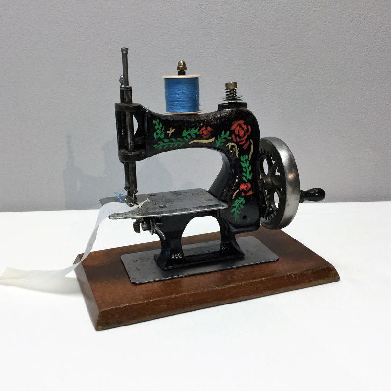 Machine coudre jouet casige la maison verte brocante lmv for Machine a coudre king jouet